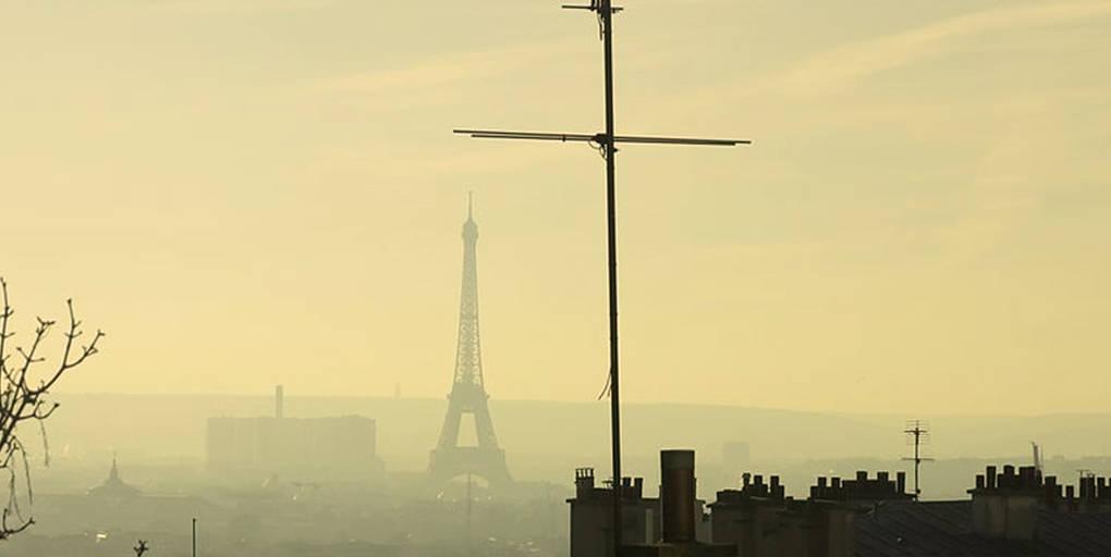 Pollution aux particules fines à Paris vue depuis Montmartre