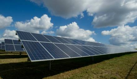 les panneaux solaires, 1ère source d'énergie renouvelable en France