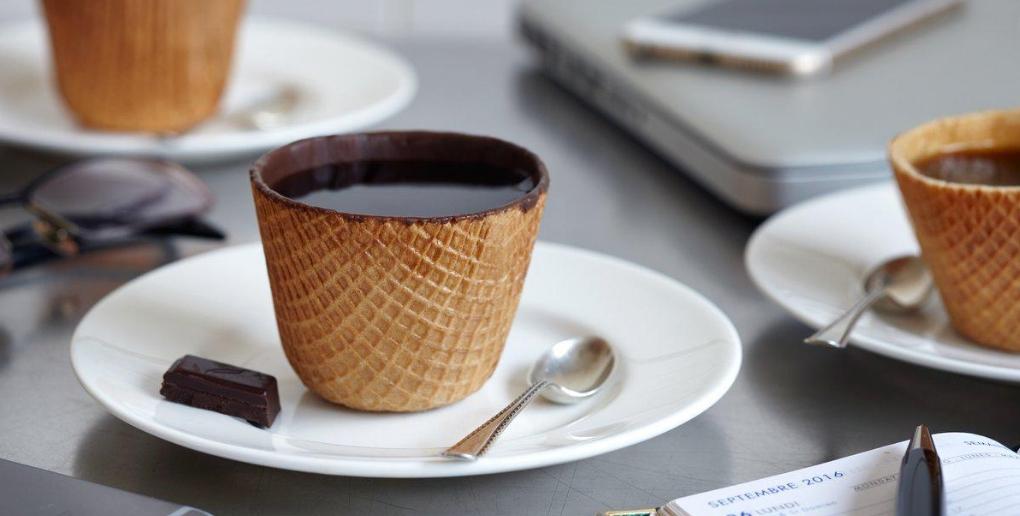 des tasses comestibles conçues par la start-up tassiopée