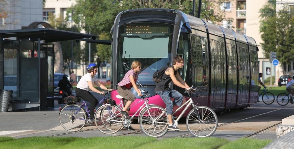 tram et vélo à dijon