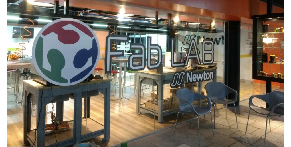 L'entrée du FabLab Newton au Brésil