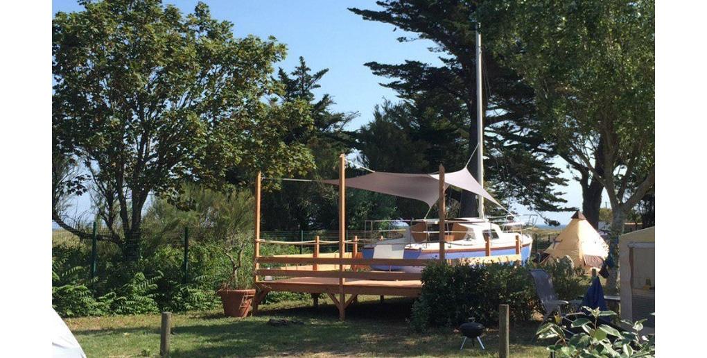 Un Bathô installé dans un camping de l'Ile dYeu