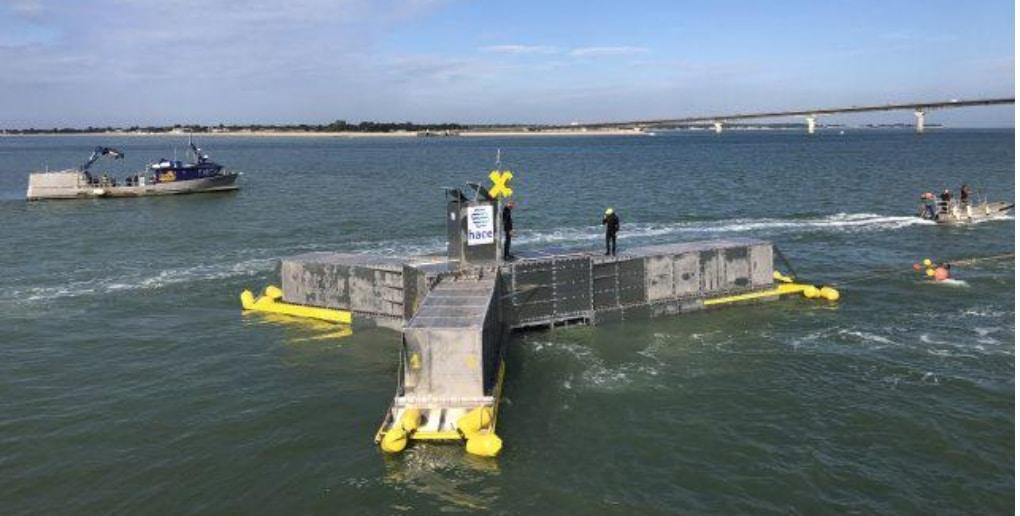 houlomoteur HACE lors du test dans le port de La Rochelle