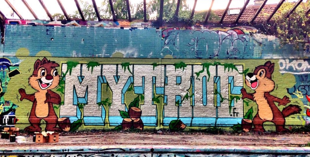 mur avec graffiti MyTroc