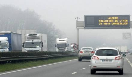 pollution air panneau lumineux