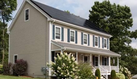 maison panneaux solaires