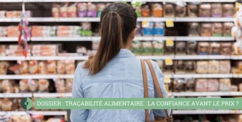 femme dans un rayon de supermarché