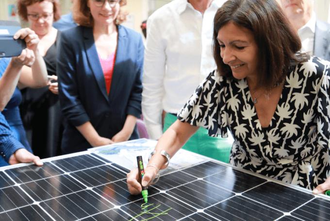 Anne Hidalgo lors de l'inauguration de la première centrale solaire Enercitif