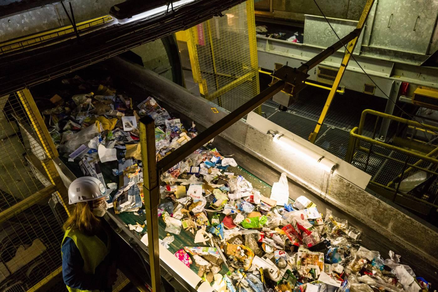 un centre de tri et de valorisation de déchets.